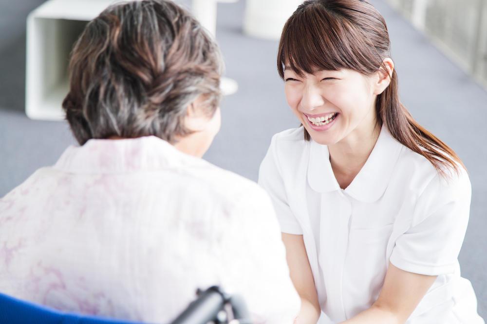 医療依存度が高い高齢者......介護施設で医療行為はどこまで受けられる?
