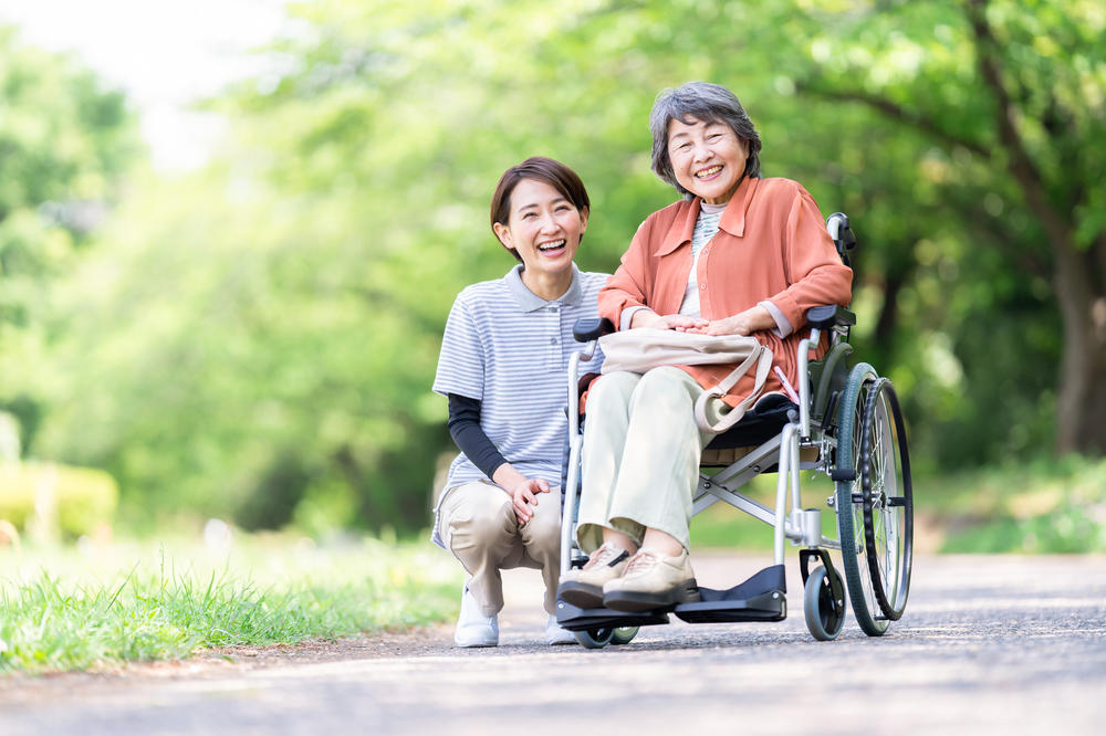 小規模多機能型居宅介護とは?介護サービスをハイブリッドに提供する施設|介護のコラム