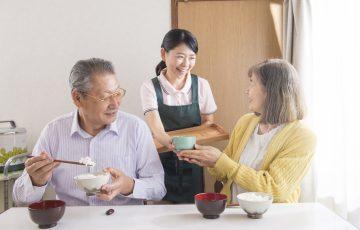 「味が薄い」「冷めている」!?食事にこだわる老人ホームの見極め方|老人ホームのコラム