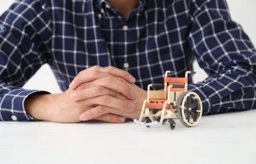 「遠距離介護」は不安......離れた認知症の家族を支えるための3つのポイント|介護のコラム