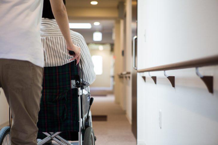 介護療養型医療施設が廃止され、介護医療院へ。日本の介護施設はどう変わるのか?