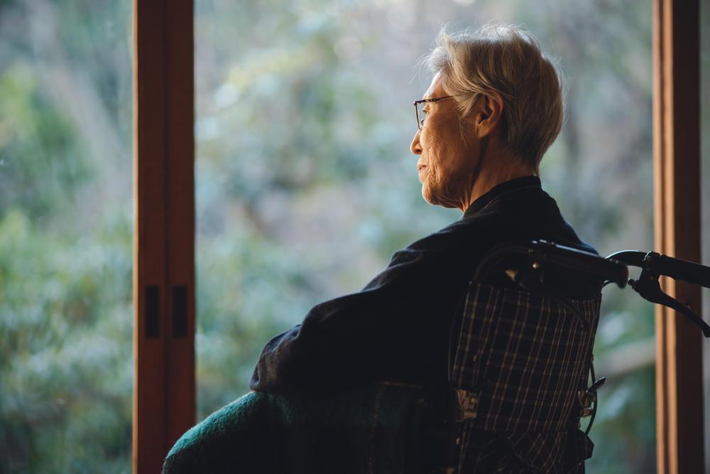 高齢者の一人暮らしの問題点と対策を考える|介護のコラム