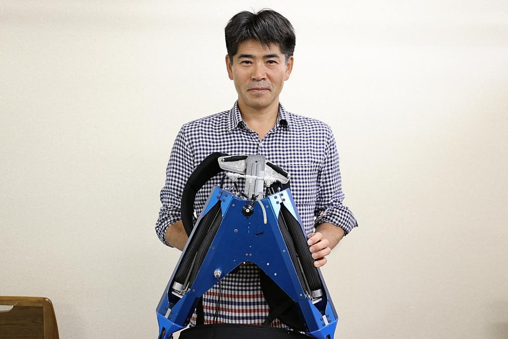 介護の肉体的負担を軽く「着る、筋肉。」マッスルスーツ開発者・小林宏教授インタビュー