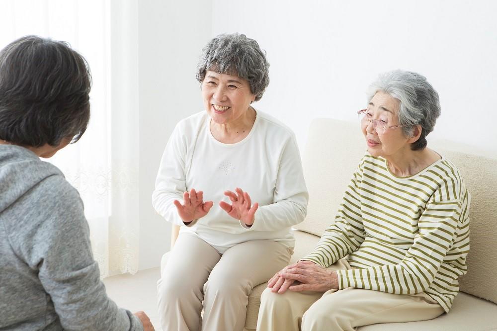 介護予防が期待される「通いの場」とは?|介護のコラム