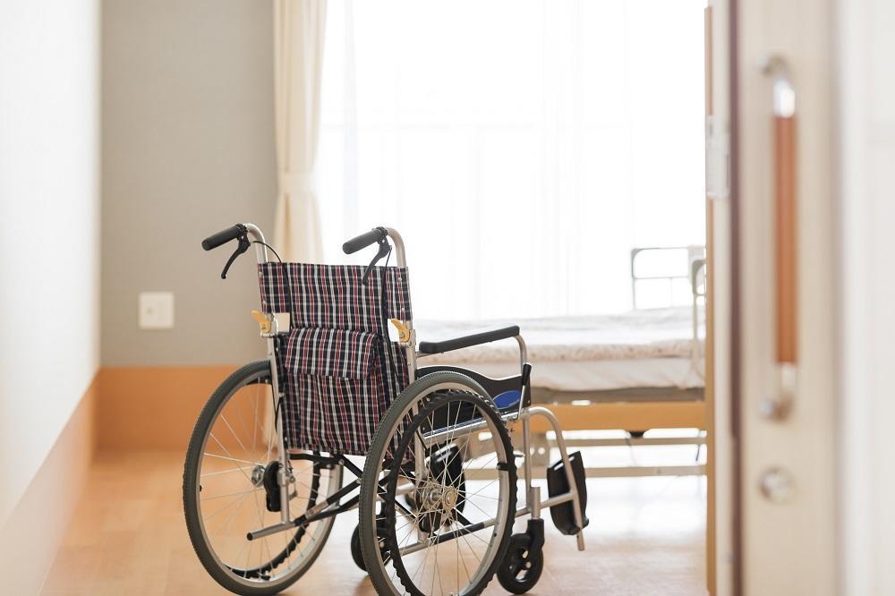 【医師監修】指定難病に認定されているALS(筋萎縮性側索硬化症)とは?|介護のコラム